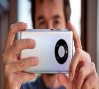 مراجعة هاتف Huawei Mate 40 Pro بعد شهر من الاستخدام