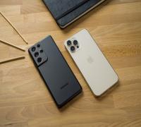 iPhone 12 Pro في مواجهة Samsung S21 Ultra