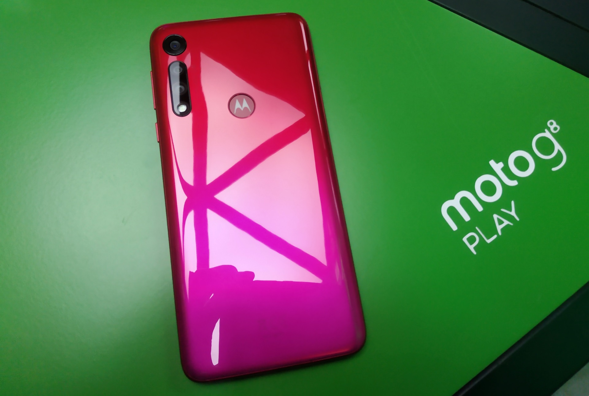 المراجعة الكاملة لهاتف Motorola الجديد Motorola G8 Play
