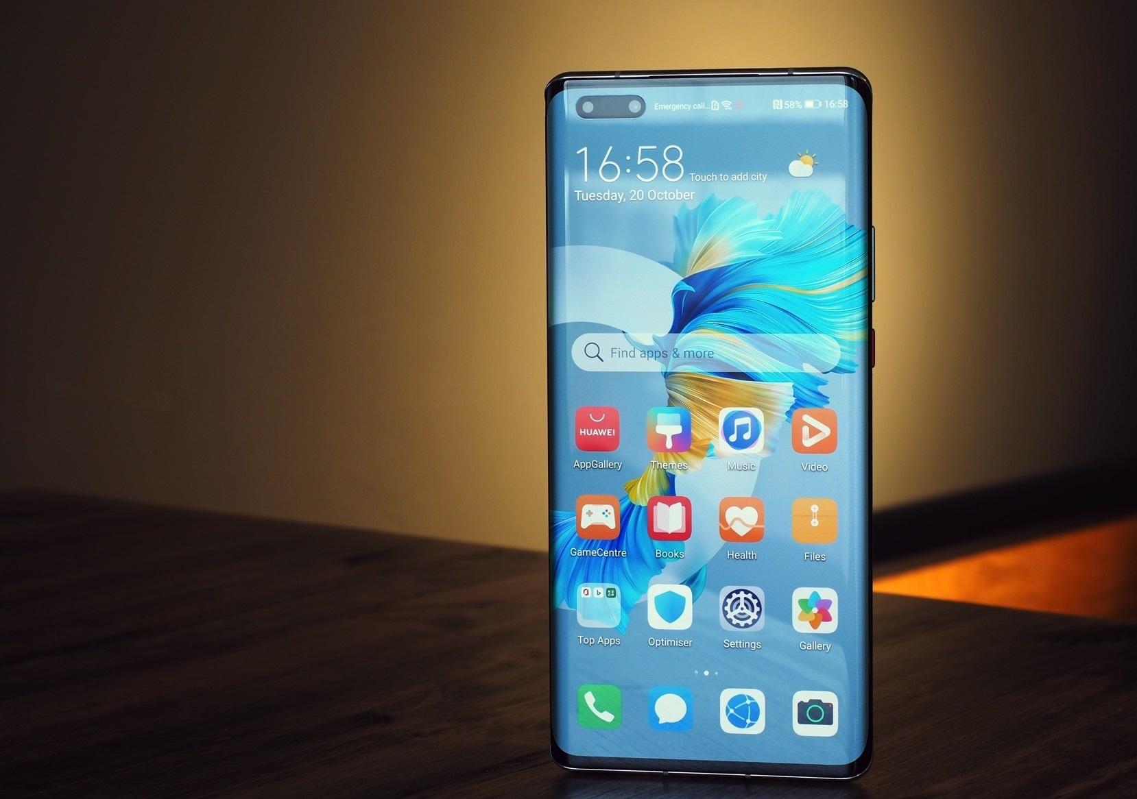 أيهما أفضل هاتف Samsung Galaxy Note20 Ultra أم هاتف Huawei Mate 40 Pro