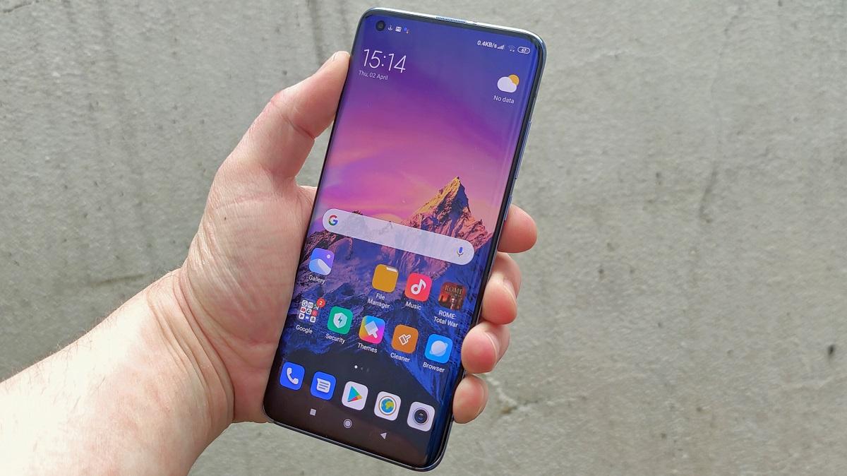 تسريب تفاصيل شاشة وكاميرا هاتف Xiaomi Mi 11 Pro