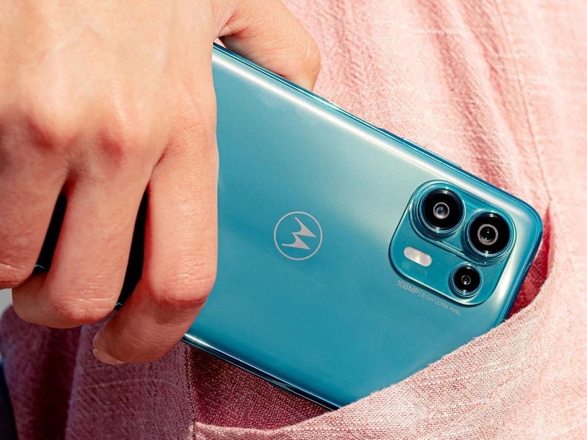 المراجعة الكاملة لهاتف Motorola Edge 20 Fusion