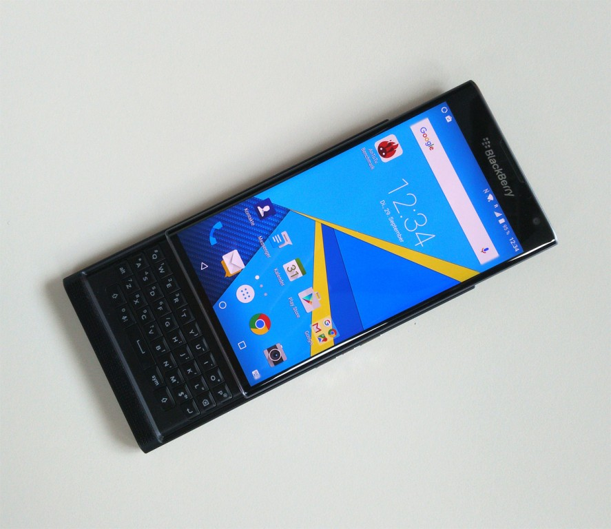 مميزات وعيوب BlackBerry Priv bce3560676-img.jpg